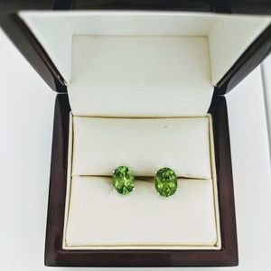 💚 Oval Peridot Stud Earrings in Sterling Silver